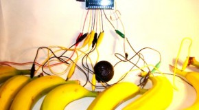 Bananaphone Synthesizer – brace up for crazy stuff